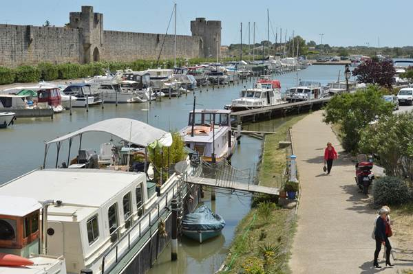 Port de plaisance d'Aigues-Mortes