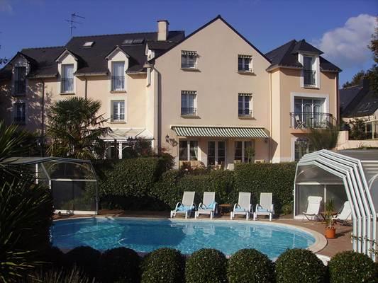 Hôtel Le Parc er Gréo, Arradon, côté piscine.