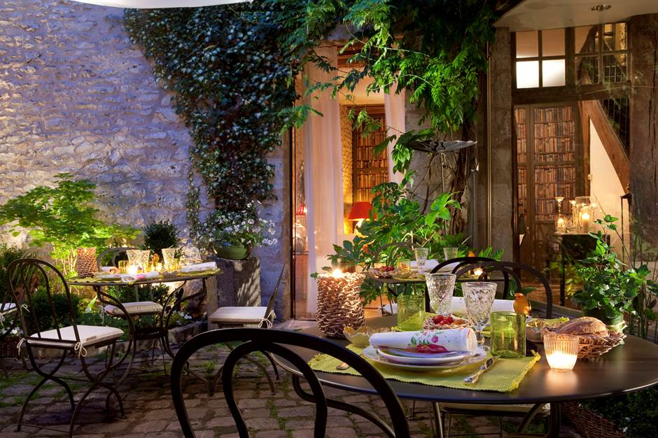 Hôtel de France - jardin le soir