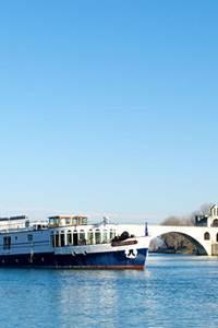 Bienvenue à Villeneuve, à bord du bateau Le Saône