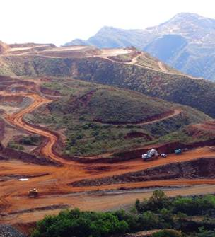 Tourism in Thio: visit of the mine and the mine museum