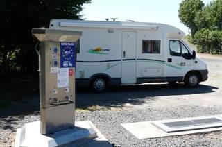 Aire de Services et de Repos à St Laurent des Carnols