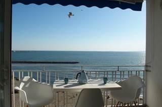 P3 climatisé splendide vue mer au 5° étage