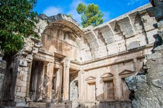 Nîmes entre patrimoine, saveurs et terroir