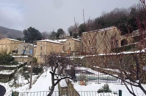 Le Mas sous la neige ©
