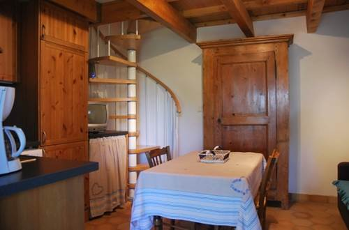 meuble-Montaren-et-Saint-Médiers1 ©