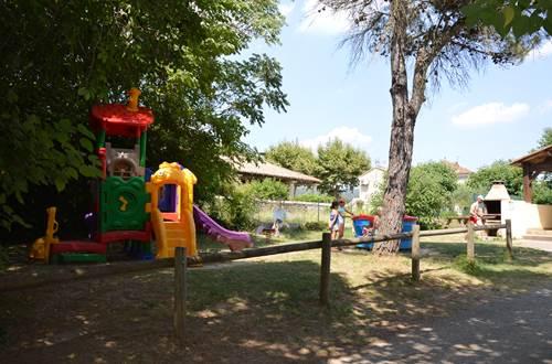 Camping La Grenouille - Aire de jeux ©