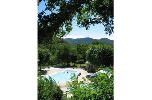 aire-naturelle-camping-clos-abbaye-cendras-piscine ©