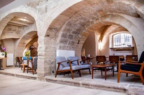 restaurant entraigues salle restaurant sous les voûtes © restaurant Entraigues