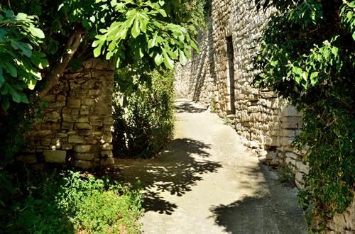 Vézénobres rue du portail de viterne ©
