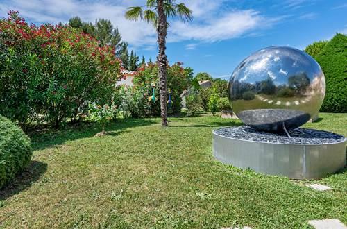Fontaine-Jardin-Casa-Dina ©