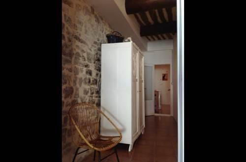 meuble-Saint-Jean-de-Crieulon1 ©