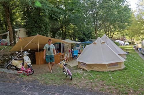 camping-mas-de-la-cam-st-jean-du-gard ©