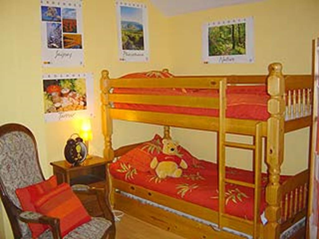 lit supperposés dans la même chambre